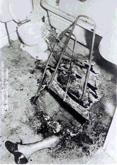 Spontaneous Human Combustion - Pembakaran spontan manusia John-irving-bentley-1966