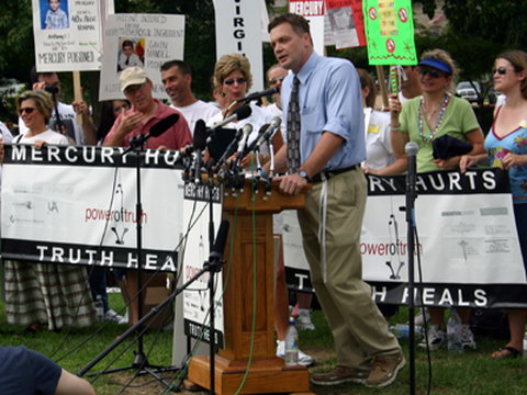 Wakefield at anti-vaccine rally